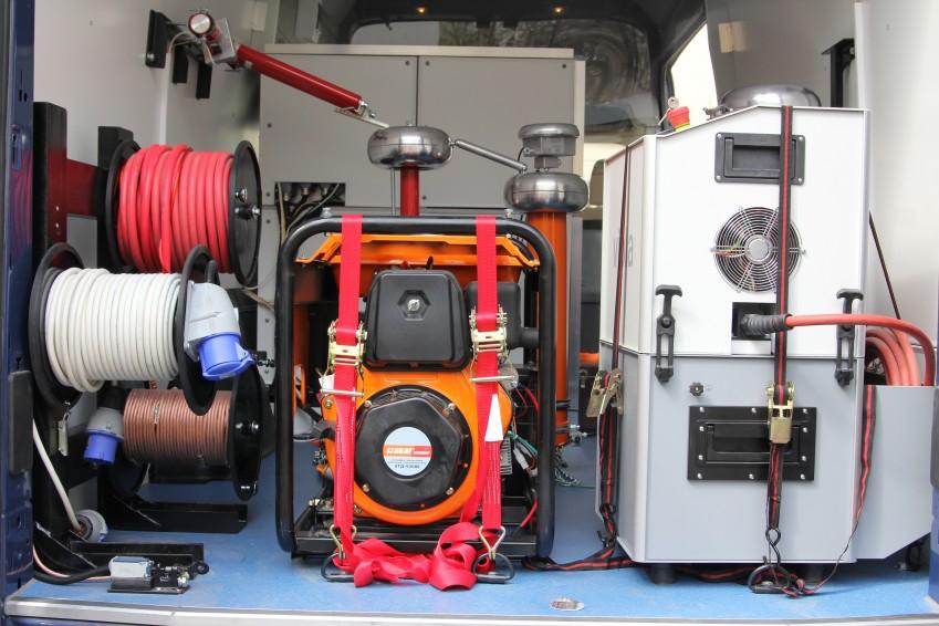 Установка для испытания и поиска повреждения оболочки кабеля